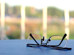 myopia and reading glasses