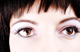 How to Remove Dark Circles Under Your Eyes Naturally and ...
